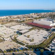 Un nuevo firme se instala en la pista principal del Mediterranean Equestrian Tour