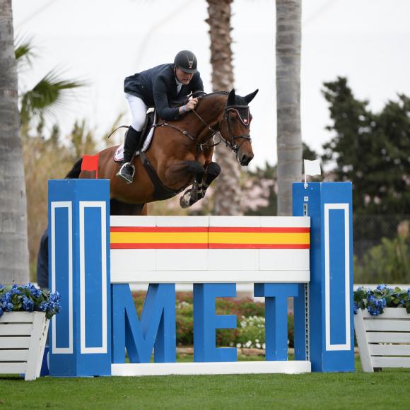 El holandés Robert Vos triunfa en el MET