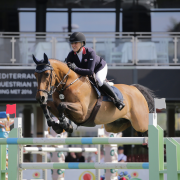 La británica Chloe Aston suma victoria en el MET