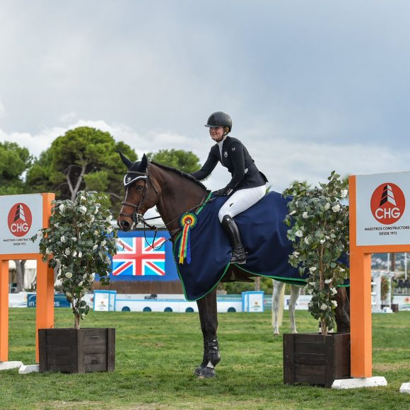 Emily Moffitt wins the CSI2* Grand Prix presented by CHG in Autumn MET 2018