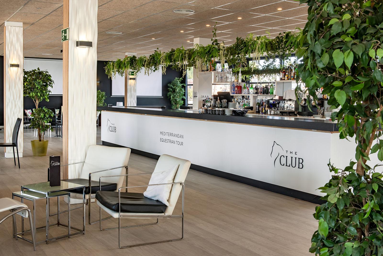 the-club-met-oliva-by-adolfogosálvez