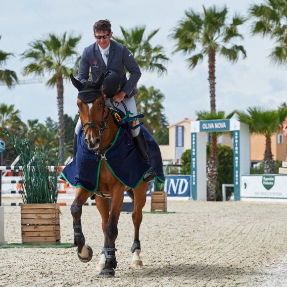 Hilton Up The Banner, Iwalinde and Tiara du Cache Pot Z best in Spring MET IV Young Horse Finals presented by Dammann Reitplatz- u. Sportplatzbau GmbH