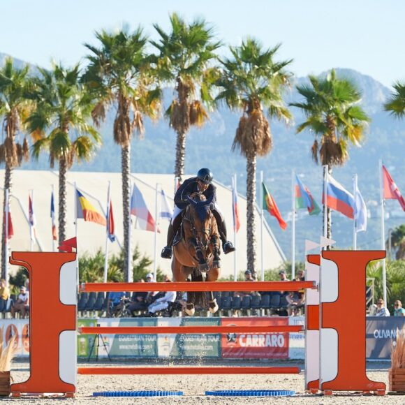 Home heroes Mariano Martinez Bastida and Cleartoon win the CSI2* Grand Prix presented by CHG at the Autumn MET